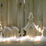 kerstdorp (met licht aan) 70 cm. breed €25,-